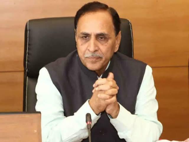 गुजरातचे मुख्यमंत्री विजय रुपाणी यांचा राजीनामा !